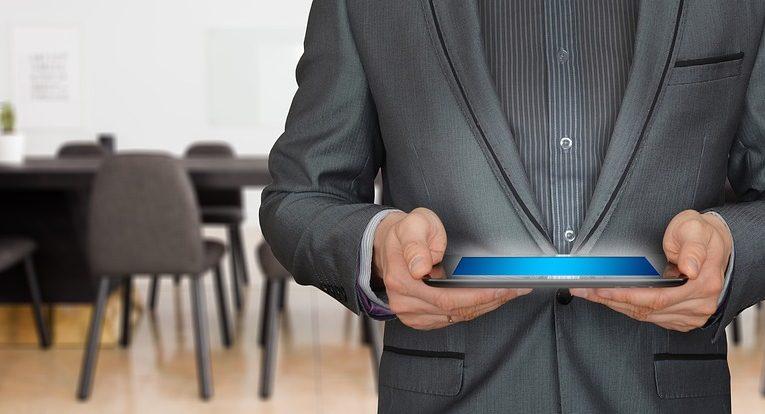 Cos'è l'esperienza del cliente? Come può essere misurata? Chi dovrebbe gestirla?